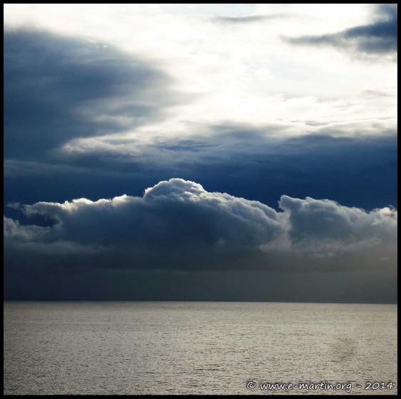 La météo est triste mais que le ciel est beau...